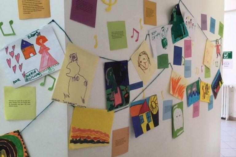 Des enfants avec autisme à l'école Elsa Triolet de Beauvais, grâce à l'Unité  d'Enseignement Maternelle du SESSAD de l'Arbre